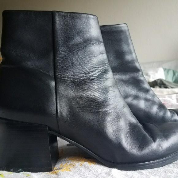 61be70bd2e175b Sam Edelman block heel black ankle boots. M 5ac6c6d02ae12f8da2e139a2